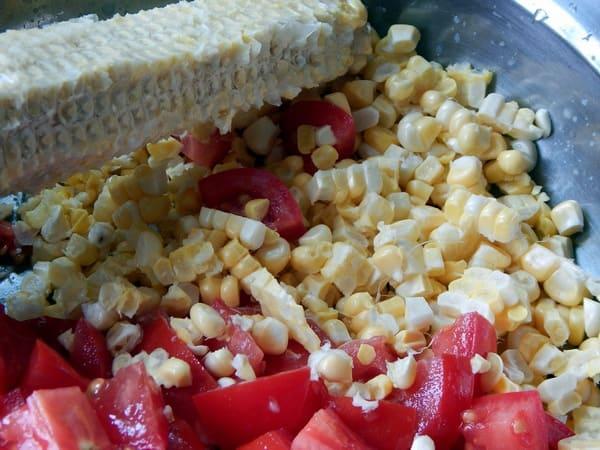 срезать кукурузу